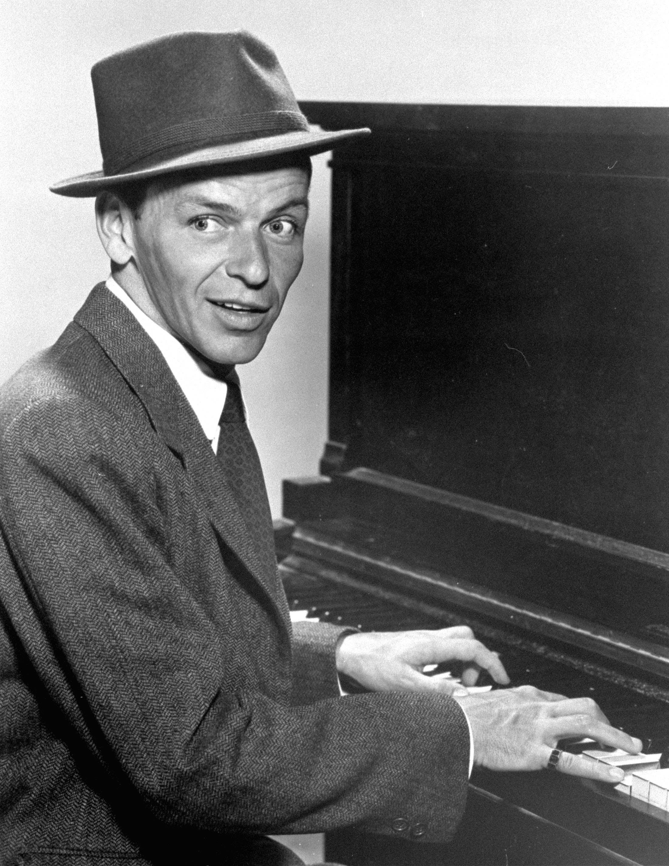Фрэнк Синатра - Frank Sinatra фото №211519: http://www.theplace.ru/photos/photo.php?id=211519